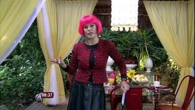 De peruca rosa, Ana Maria fala sobre moda dos cabelos coloridos - Atriz Bruna Linzmeyer é destaque em 'Meu Pedacinho de Chão'
