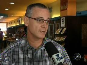 Paralisação dos ônibus prejudica vendas no comércio de Jundiaí - Não houve acordo na audiência realizada nesta terça-feira (20) no Tribunal Regional do Trabalho (TRT), em Campinas (SP) e a greve dos funcionários do transporte rodoviário de Jundiaí e região continua.