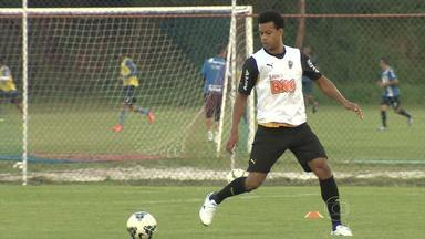 Atlético-MG joga contra Vitória em Feira de Santana, na Bahia - Time está treinando na capital e terá novidades contra os baianos.
