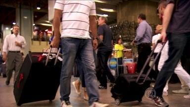 Eventos com grande aglomeração de pessoas são propícios para contaminação por vírus - Milhares de pessoas irão passar pelos aeroportos do Brasil durante a Copa do Mundo. Vírus da paralisia infantil, da gripe Influeza A, da catapora e do Sarampo podem ser reintroduzidos no país.