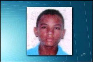 Jovem de 15 anos é morto no Bairro Parque Antônio Vieira, em Juazeiro do Norte - Segundo a polícia, os suspeitos do crime utilizavam uma moto.