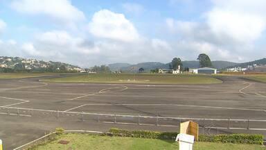 Aeroporto de Juiz de Fora é opção para receber voos durante Copa - Terminal está entre os 25 da Anac com liberação de pousos durante evento.Prefeitura promete ampliar instalações do local.