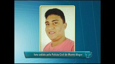 Jovem é preso com droga dentro do sapato em Monte Alegre - A polícia encontrou com ele 25 petecas de pasta base de cocaína.