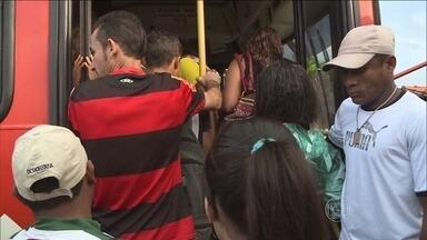 Cuiabá e Várzea Grande, na região metropolitana, também estão enfrentando greve de ônibus - Os donos de empresas oferecem 5,8% de reajuste, mas a categoria quer 7,15%, além de aumento na gratificação e no vale-alimentação