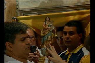 Cerimônia retirada do Glória da Basílica a imagem de Nossa Senhora de Nazaré - Isso só acontece duas vezes por ano: durante o Círio, e agora quando se comemora o oitavo aniversário de elevação da Basílica de Nazaré à Santuário Mariano da Arquidiocese d