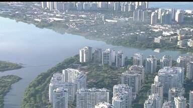Governo promete despoluir lagoas da Barra da Tijuca e Jacarepaguá até 2016 - A despoluição das lagoas da Barra da Tijuca e Jacarepaguá está prevista para 2016. A Secretaria Estadual do Ambiente já solicitou um reforço nas equipes.