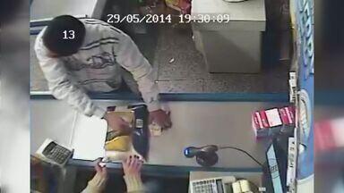 Câmeras flagram assalto a supermercado em Poços de Caldas (MG) - Câmeras flagram assalto a supermercado em Poços de Caldas (MG)
