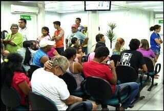 População de Juazeiro do Norte reclama do fechamento parcial de um hospital da cidade - Moradores procuram atendimento médico em outras unidades de saúde.