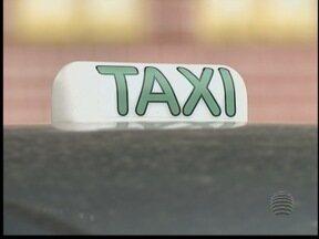 Taxistas não aprovam uso de brasão da prefeitura em veículos - Lei foi aprovada pelo prefeito de Presidente Bernardes.