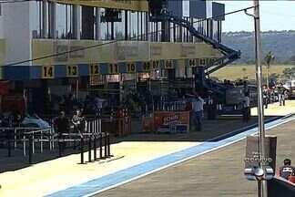 Veja os principais assuntos do Globo Esporte - Neste final de semana ocorre a reinauguração do autódromo com uma etapa da Stock Car