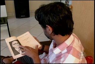 """O livro Carcará, de Ivan Bichara, é a dica de leitura no quadro """"Eu indico"""". - O livro conta a história do cangaço na Paraíba."""