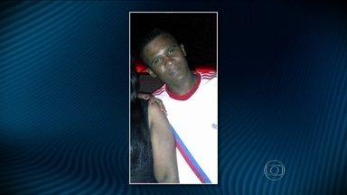 Polícia de SP afasta dois PMs suspeitos de executar um homem na periferia da capital - Eles alegam que o rapaz estava armado e reagiu à ordem de prisão. Mas um vídeo e o depoimento de uma testemunha deixam dúvidas em relação à conduta dos PMs.