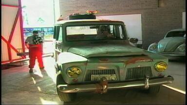 Exposição de carros antigo é atração no Parque da ACCIE em Erechim, RS - Assista ao vídeo.