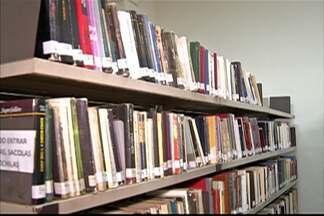 Biblioteca de Mogi das Cruzes completa 66 anos - Mesmo com tecnologia, muitos leitores não dispensam as páginas impressas dos livros. Acervo conta com mais de 35 mil obras. Até sábado (7) é realizada programação especial.