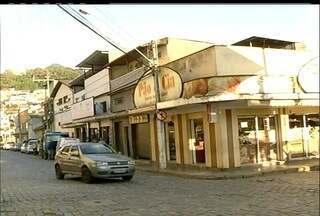 Dono de padaria sofre tentativa de assalto em Nova Friburgo, RJ - Dono do bar acabou baleado.