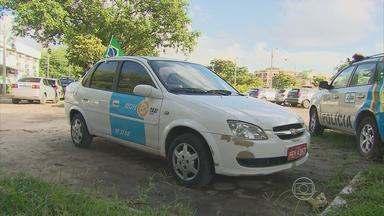 Taxista é assassinado com tiro na cabeça na Zona Oeste do Recife - Delegado descarta suspeita de latrocínio por ter achado dinheiro no carro.