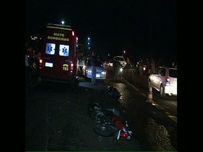 Mulher de 37 anos morre vítima de acidente de trânsito, na divisa de Cambé com Londrina - A moto que ela pilotava foi atingida por uma caminhonete. A mulher morreu na hora. Testemunhas disseram que o motorista estava em alta velocidade.
