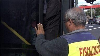 População tem dia difícil por causa da greve do metrô em São Paulo - População teve um dia difícil por causa da greve do metrô em São Paulo. A equipe do JN acompanhou de perto a dificuldade de quem dependeu do metrô para ir para o trabalho.