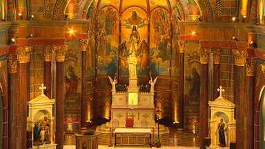 Restaurada, Igreja São José encanta fiéis e padres em BH - Processo de reforma durou dois anos