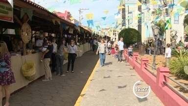 Paraibuna, SP, promove feira de turismo - Evento comemora aniversário da cidade.
