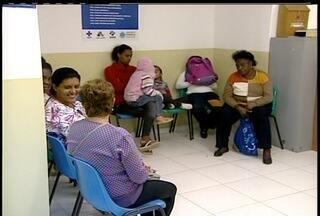 Médicos se reúnem e decidem voltar ao trabalho nesta terça em Petrópolis - Paralisação nesta segunda-feira (9) afeta 24 Postos de Saúde da Família.Categoria se reunirá com o prefeito e secretário de Saúde no dia 16.