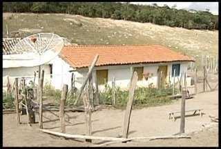 Polícia investiga o assassinato de quatro pessoas da mesma família em Padre Paraiso - As vítimas são 3 idosos e uma criança de seis anos.