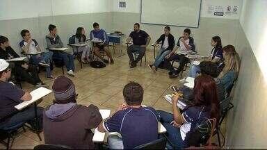 Mundial de futebol vira tema de estudos em escolas de MS - Professores aproveitam para discutir temas relacionados a Copa do Mundo