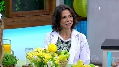 Banana-maçã e goiaba tendem a prender o intestino - A nutricionista Camila Freitas explica que o ideal é variar as frutas. Nova série do Bem Estar, vai mostrar receitas rápidas dos países participantes da Copa do Mundo.