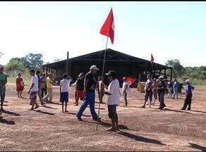 Cerca de 150 famílias do MST ocupam, há 4 dias, uma fazenda em Porto Nacional - Cerca de 150 famílias do MST ocupam, há 4 dias, uma fazenda em Porto Nacional
