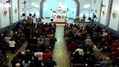 Missa em homenagem a Fernandão reúne colorados - Celebração foi pedido de consulado do Internacional.