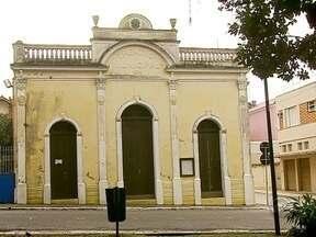 Reforma no Teatro Municipal de São José, mais antigo de SC, está atrasada - Reforma no Teatro Municipal de São José, mais antigo de SC, está atrasada