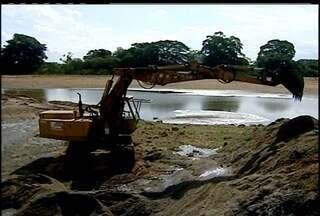 Rio Paraíba do Sul atinge o menor nível dos últimos 25 anos - Baixa no Rio tem prejudicado o Norte Fluminense.