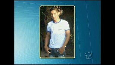 Homem confessa assassinato de adolescente - Vítima seria supostamente namorado da filha do acusado.