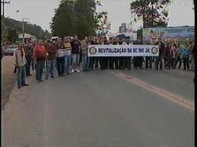 Situação de rodovia gera manifestações em Lauro Müller - Situação de rodovia gera manifestações em Lauro Müller