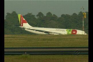 Avião da TAP continua atolado no Aeroporto de Belém - Infraero informou que a pista principal já foi liberada, mas apenas para decolagem.