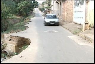 Blitz do MG: Bairro de Valadares ainda enfrenta problemas decorrentes das chuvas de 2013 - Rastro de destruição preocupa moradores.