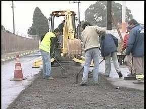 Prefeitura de Lages começa operação tapa buracos para amenizar efeitos da chuva - Prefeitura de Lages começa operação tapa buracos para amenizar efeitos da chuva