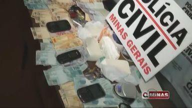 Casal é preso suspeito de tráfico de drogas em Guaxupé - Casal é preso suspeito de tráfico de drogas em Guaxupé