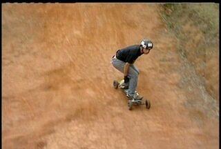 2ª Etapa do Mundial de Mountainboard acontece em Petrópolis, RJ - Esporte radical tem influência do skate e do surf.