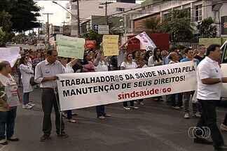 Servidores em greve fazem manifestação em Goiânia - Profissionais da Saúde completaram 12 dias em greve.