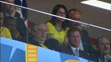 Príncipe Harry assiste Brasil e Camarões no Mané Garrincha - A família real britânica teve um representante no estádio Mané Garrincha: o príncipe Harry assistiu o jogo e torceu para o Brasil.