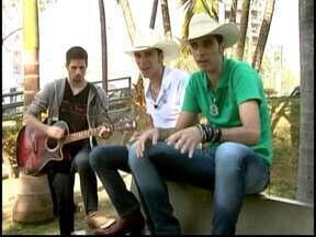 Dupla em Divinópolis faz música em homenagem a Neymar - Música é a sexta mais ouvida na internet.