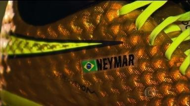 c09b2164f3 2 min. Assistindo. Neymar estreia chuteira dourada ...