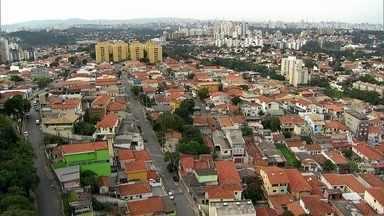 Veja a explosão da torcida durante as primeiras cobranças de pênalti entre Brasil e Chile - Na Vila Sonia, em Sâo Paulo, torcedores foram ao delírio quando David Luiz converteu o primeiro pênalti para o Brasil.