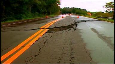 Chuva diminui mas muitos municípios ainda enfrentam problemas - 21 municípios da região foram atingidos.