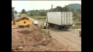 Trecho cortado na Belém-Brasilia, próximo à Imperatriz, ainda continua sem recuperação - Mais de quatro meses se passaram e um trecho cortado na Belém-Brasilia, próximo à Imperatriz, ainda continua sem recuperação total.