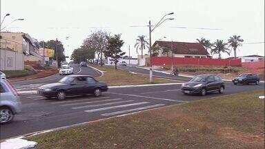 Veja como está o trânsito em Ribeirão nesta quarta-feira (2) - Fluxo está normal nas Avenidas Caramuru e João Fiúsa e motorista deve ficar atento.