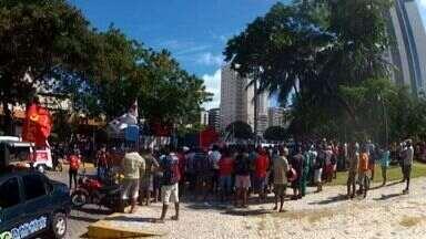 Trabalhadores da construção civil voltam ao trabalho a partir de amanhã - Reunião aconteceu hoje na Praça Portugal.