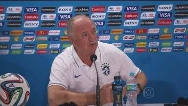 Felipão faz mistério sobre escalação contra a Alemanha - Luiz Felipe Scolari testou mais de uma formação e não divulgou qual será a escalação para o jogo da semifinal da Copa do Mundo, contra a Alemanha. Roger Flores mostra quais são as possibilidades táticas da seleção brasileira.