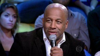 Ailton Graça lembra história de negro que se pintava de branco - Ator Benjamim de Oliveira foi o primeiro palhaço negro do Brasil. 'Ele conseguiu furar um bloqueio'